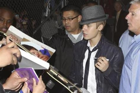 justin bieber car accident june 2012 justin bieber reaches out to severely disabled fan