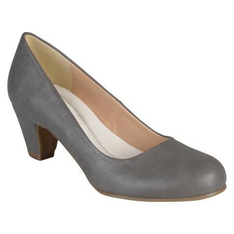 comfort kitten heels women s journee collection round toe comfort fit classic