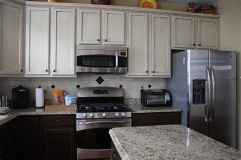 two colour kitchen cabinets kitchen cabinets green bay wi 2016 kitchen ideas designs
