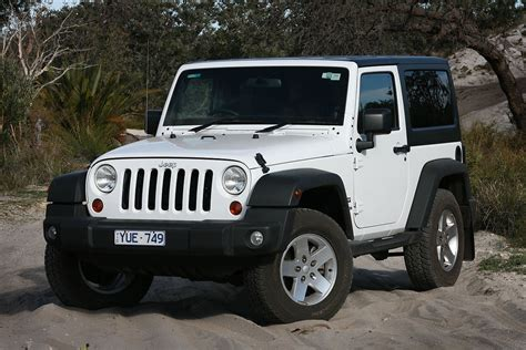 suzuki jeep 2012 100 comparison suzuki jimny sierra 2012 vs jeep