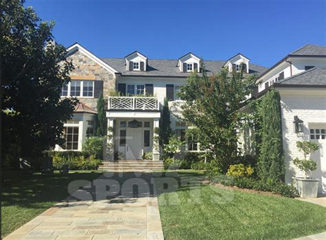 lebron house lebron james buys new los angeles home for 21 million