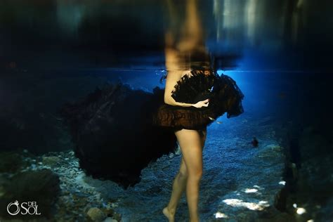 incredible underwater trash the dress photos bridalguide what to wear for underwater photography trash the dress