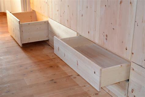 schlafzimmerschrank aus holz holz sigi zirbenholzm 246 bel