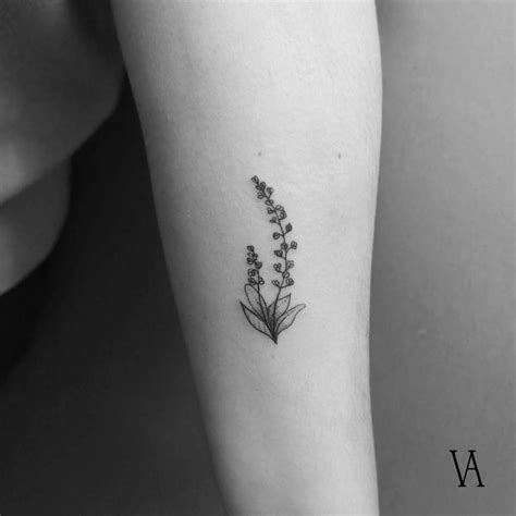 fine line tattoo style 1000 ideas about artists on artistic