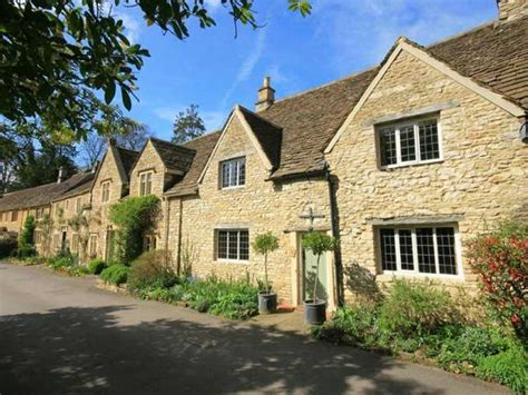 Cottages In Cotswolds With Dogs by Friendly Cottages In The Cotswolds Uk Friendly