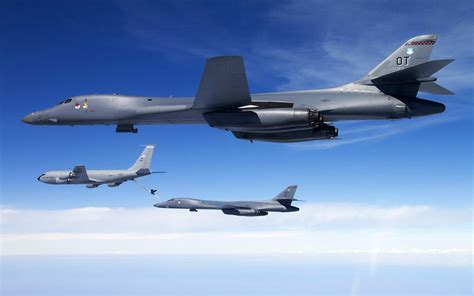 aircraft b1 lancer bomber kc 135 stratotanker united