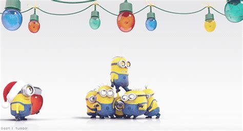 merry christmas imagenes animadas minions gif christmas discover share gifs