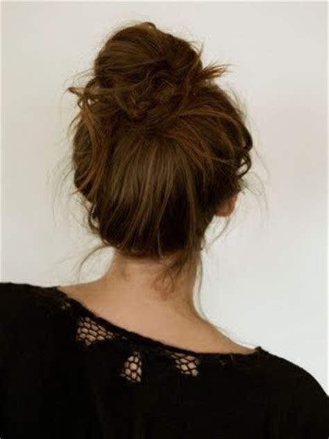 how to achieve a messy hairstyle messy bun top knot my new hair