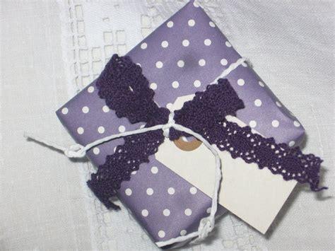 Dhl Päckchen Aufkleber Ausdrucken by Geschenkpapier Punkte Lila 3mx35cm Speicher Und Scheune