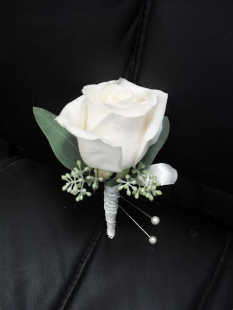 25  best ideas about White boutonniere on Pinterest