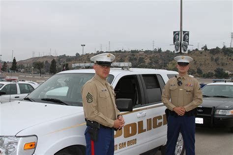 San Diego Officer by Depot Enforcement Pays Tribute To San Diego Cop
