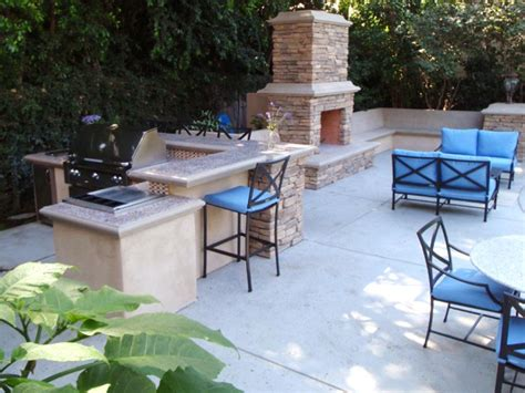 outdoor kitchen island grills pictures ideas from hgtv pictures of outdoor kitchens gas grills cook centers