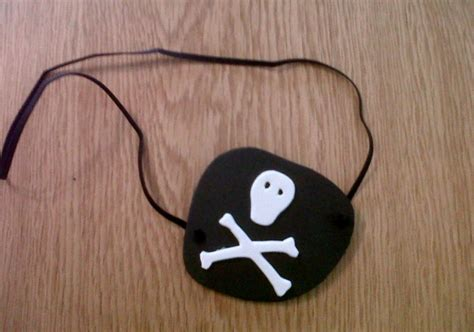 How To Make A Pirate Eye Patch Out Of Paper - how to make a pirate eye patch actually mummy