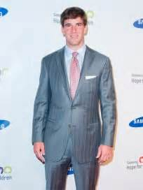 Eli Manning Sends Fiancee Abby Mcgrew Into Freezing Temps So He Wont Be Jinxed by Eli Manning Biography The Gossip
