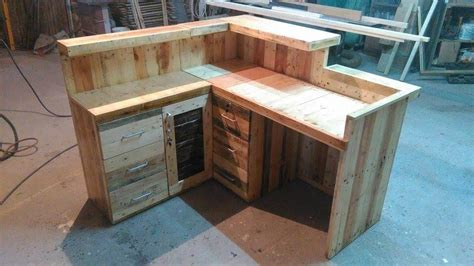 Diy Reception Desk Pallet Office Desk Reception Desk 99 Pallets