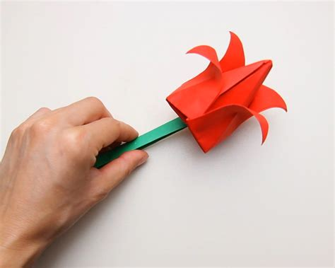 How To Fold A Paper Tulip - how to make a paper tulip with pictures wikihow