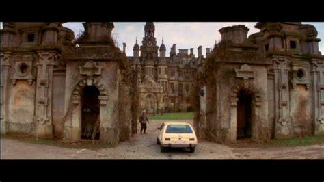 luke wilson hill house shameless pile of stuff movie review the haunting 1999