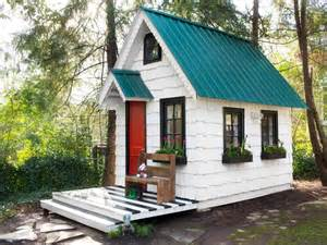 Home Design To Play Low Cost High Impact Ways To Dress Up A Playhouse Hgtv