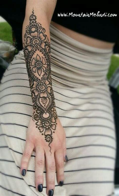 henna tattoo in arm henna motive arm makedes