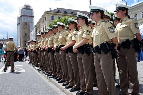 Bewerbung Bei Der Polizei Munchen 70 Jahre Bayerische Polizei Feiern Sie Mit