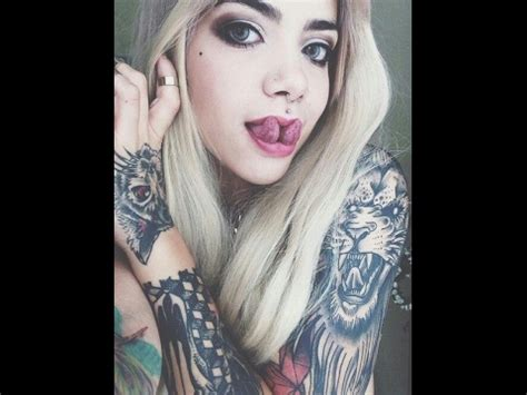 cute girls with tattoos with tattoos