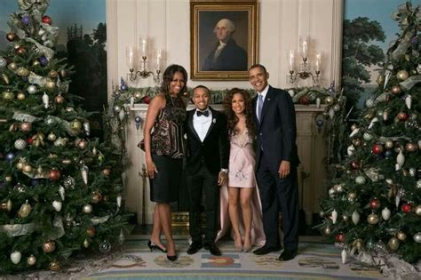 merry christmas obama and family hawaii bow wow keysha w the obama s merry president barack obama 1st