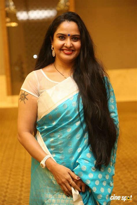 actress pragathi milfs divine seduction with mature brinjals muthuna