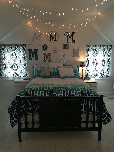 teenage girls bedroom twinkle lights christmas lights