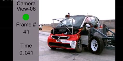 smart car collision test smart fortwo electric drive scores 4 in nhtsa crash