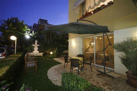 hotel gabbiano rivabella hotel harmony rivabella italien omd 246 och