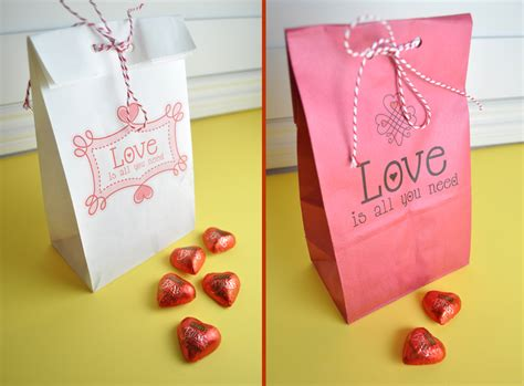 Paper Bag Ideas - how to print on paper bags with free printable club