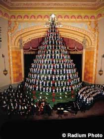 muskegon mi america s tallest singing christmas tree