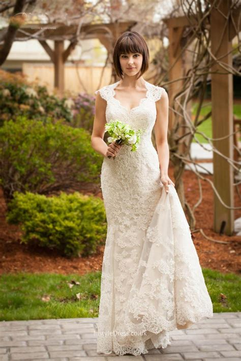 lace winter wedding dresses uk vintage keyhole lace mermaid wedding dress