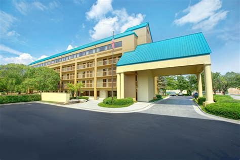 hotels in pigeon forge tn with in room book shular inn pigeon forge pigeon forge hotel deals