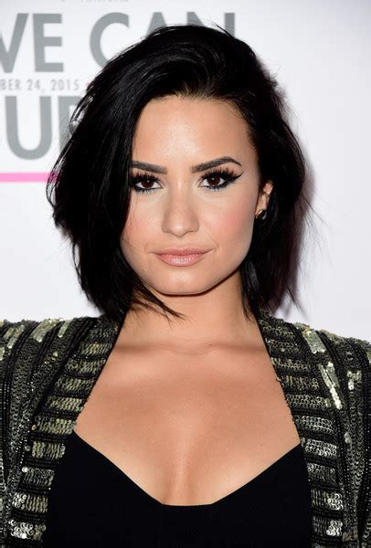 demi bob styles 7 times demi lovato nailed her bob haircut makeup tutorials