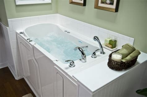 safe step bathtubs safe step tub need bathrooms pinterest