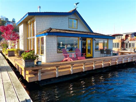 boat house movie 25 best ideas about floating homes on pinterest floating house houseboats and