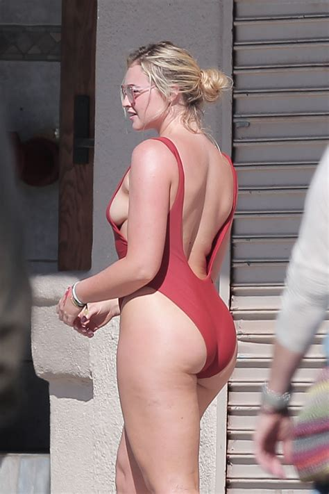 Iskra Lawrence Nude Sexy Photos The Fappening Leaked Nude Celebs