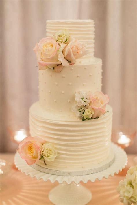 buttercream wedding cake decorating ideas   Wedding Cake
