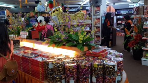 Coklat Oleh Oleh Jakarta tempat beli coklat snack untuk oleh oleh di singapore tour wisata singapore
