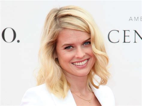 alice eve hd wallpapers 13 hd alice eve wallpapers