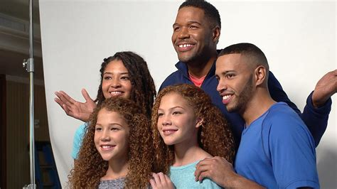michael strahan and his wife michael strahan s twin advice for clooneys and beyonce