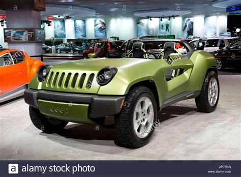 jeep sports car concept jeep renegade diesel hybrid concept car at the 2008