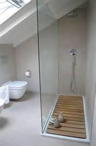 d 233 co salle de bain sous les combles
