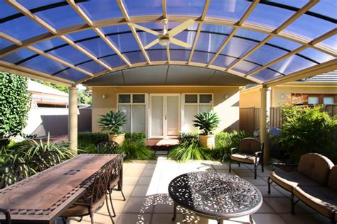 flat roof pergola plans pergola designs bending a polycarbonate roof softwoods