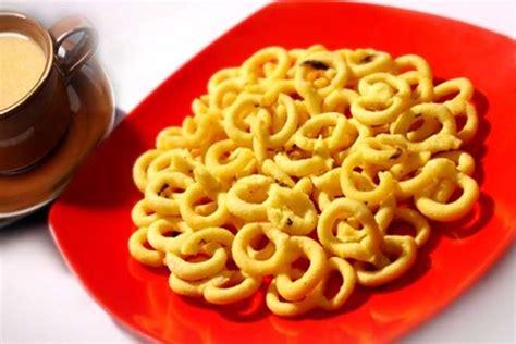 bawa oleh oleh  kota padang wisata kuliner indonesia