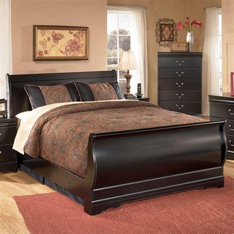 slay bed set huey vineyard sleigh bed signature design by ashley