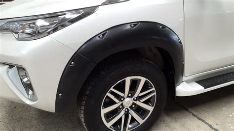 All New Fortuner Fender Activo Aksesoris Toyota Fortuner toyota new fortuner 2016 black fender flares wheel arch with nuts ebay