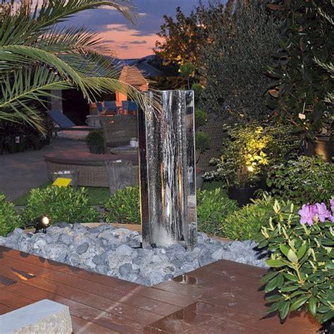 Fontaine D Eau De Jardin by Murs D Eau Et Fontaines De Jardin Sur Le Jardin
