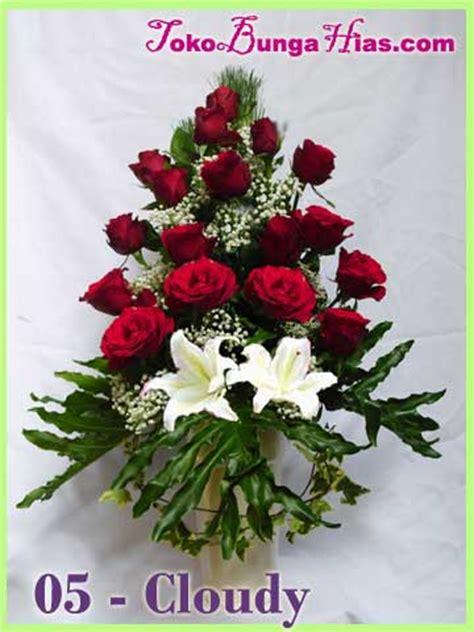 rangkaian bunga meja segar bingkisan bunga valentine